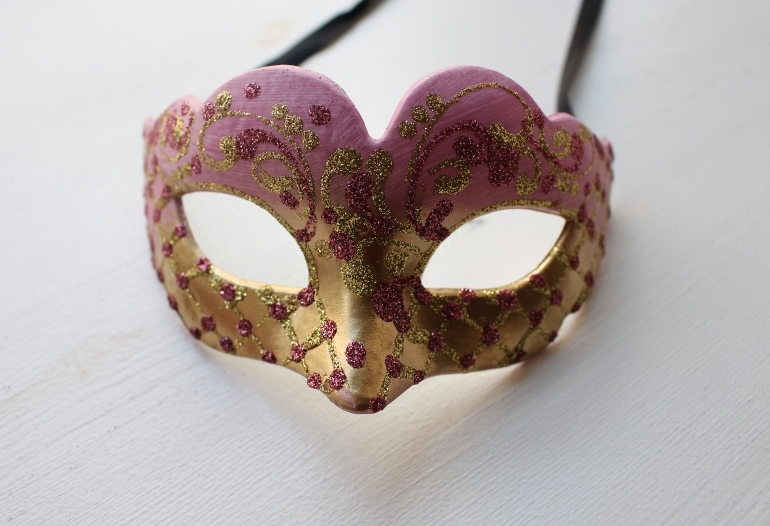 Things to do in Venice: Get these venetian masks if you are shopping in Italy.