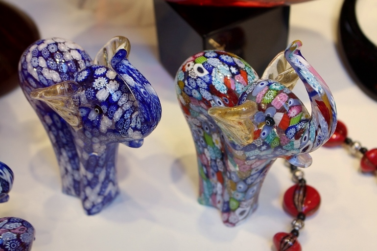 Tips for Italian shopping. Get genuine Murano glass art from Venice.