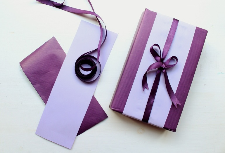 Deep purple gift wrapping ideas