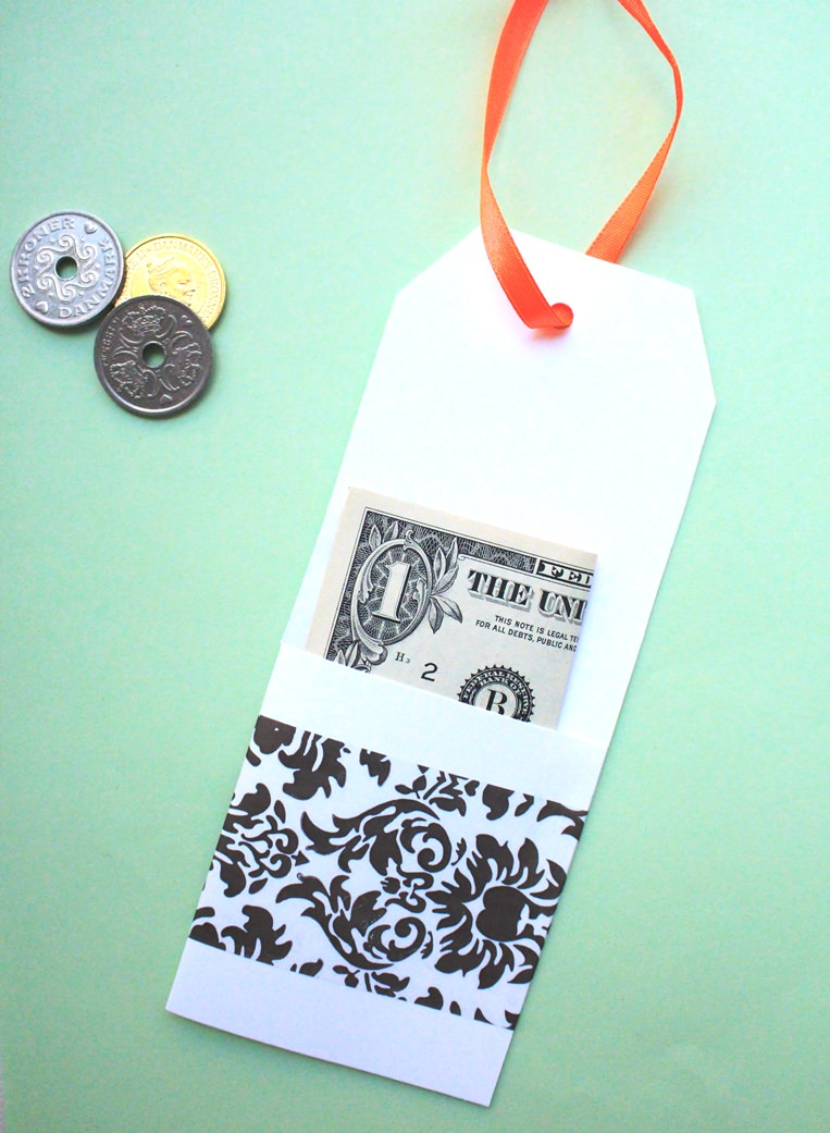 How to gift wrap money